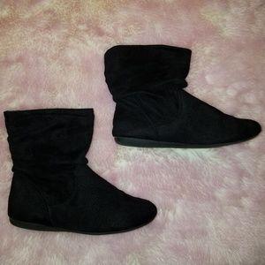 Black flat booties